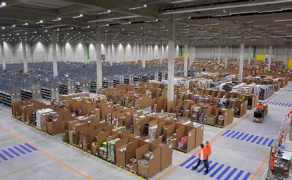 Amazon, punta ad essere un corriere, sfi