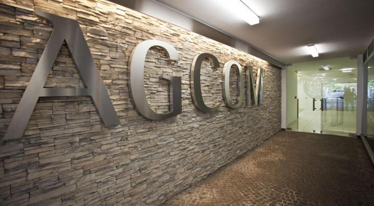 Bollette a 28 giorni, Agcom decide per m