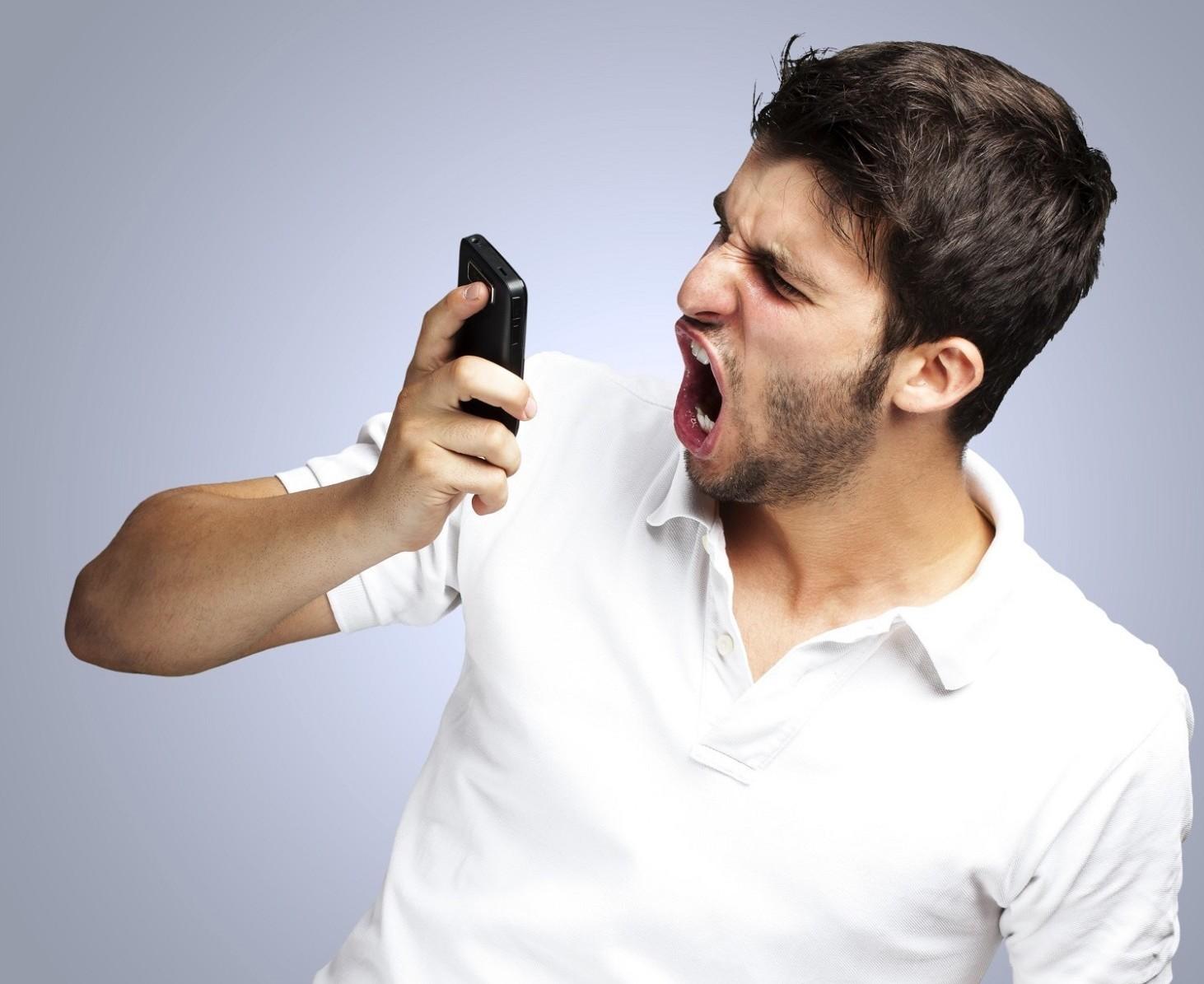 Call center non si bloccano telefonate c