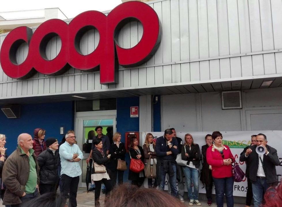 Ipermercati, sciopero il 22 Coop:
