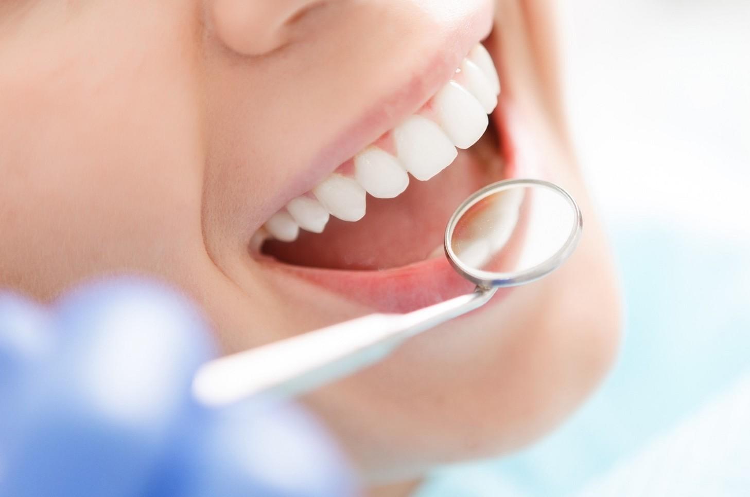 Dentisti abusivi e falsi: migliaia. Trov