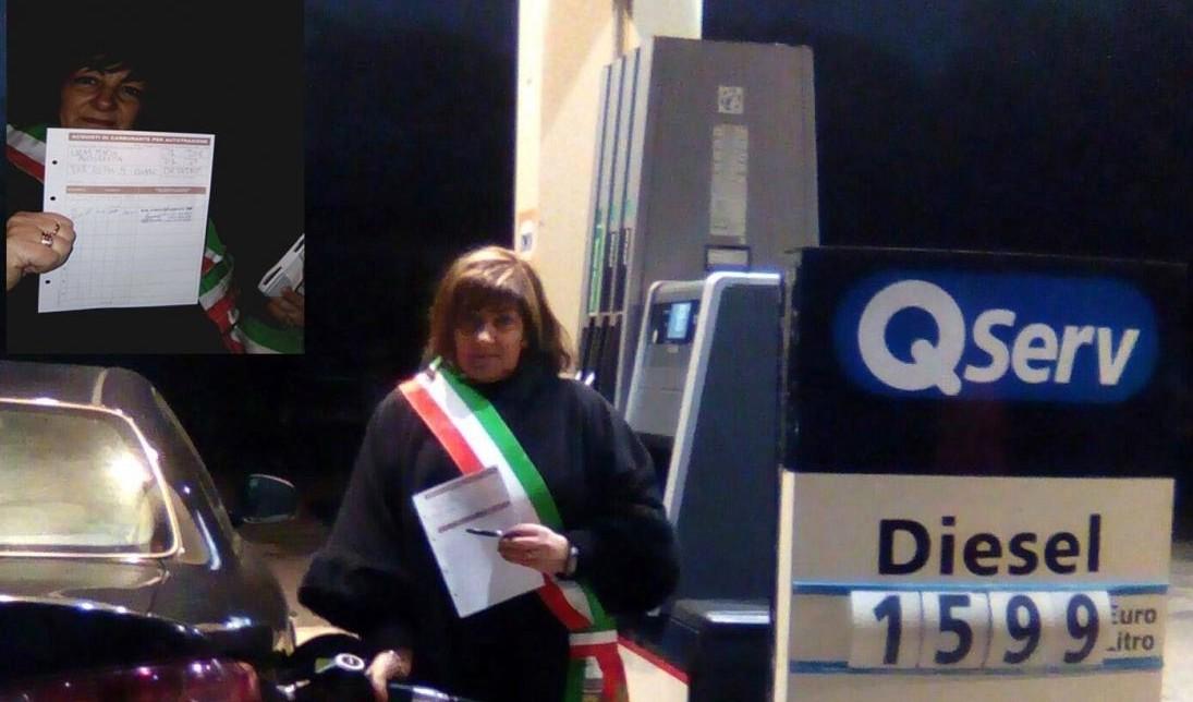 Benzina a 0,50 in Sardegna, sindaca cont